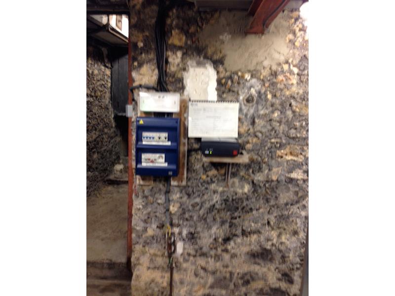 Travaux de Mise en Conformité réalisés sur un ascenseur de 300 kg avec machinerie basse